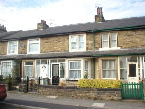 3 bed Mid Terraced House for rent in Harrogate. From D R Hawkins Group