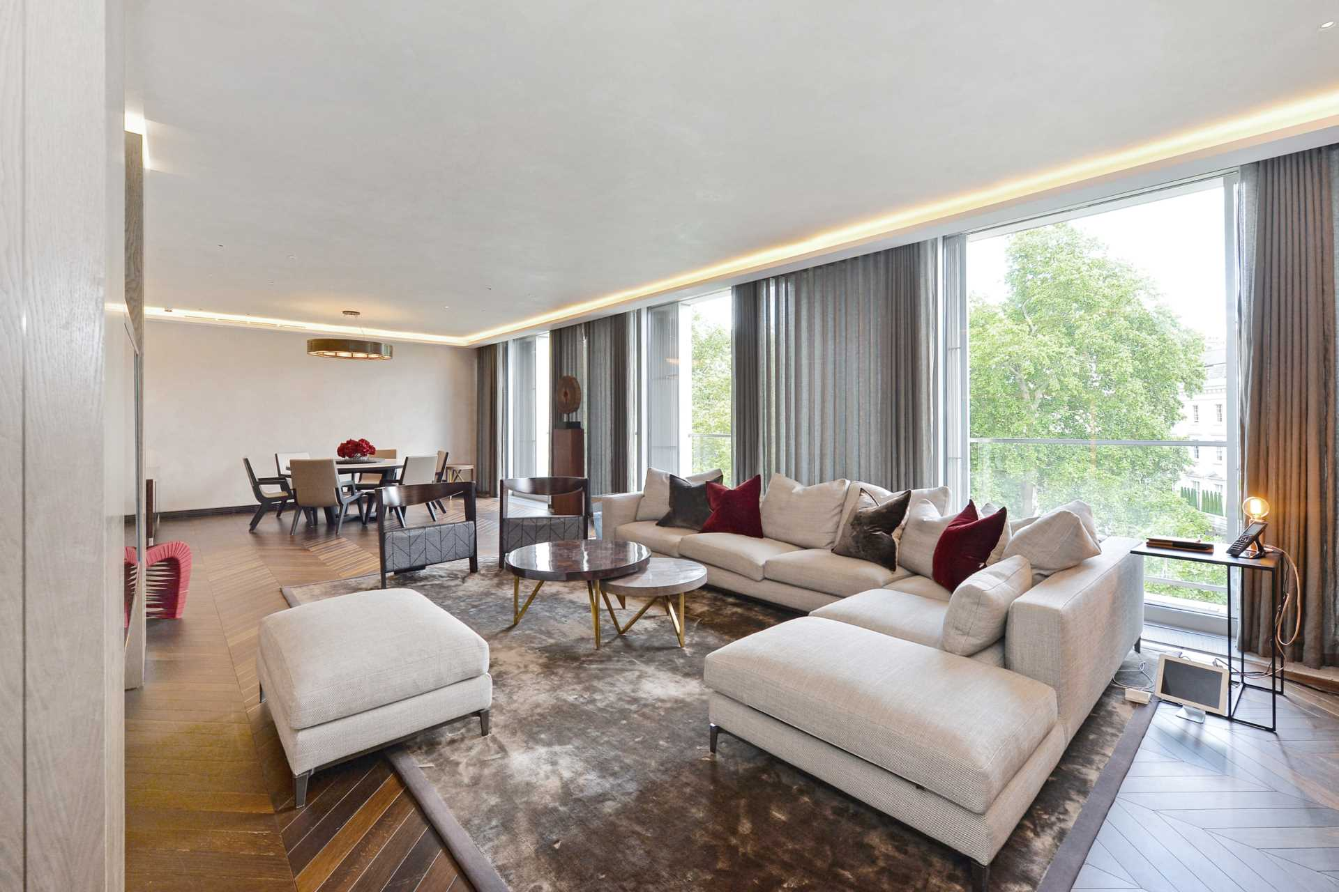 5 bed Apartment for rent in London. From Rokstone