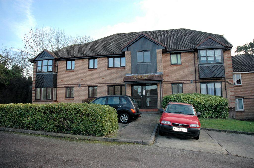 0 bed Studio Flat for rent in Potters Bar. From Bentleys Lettings