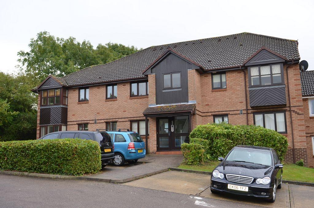 2 bed 1st Floor Flat for rent in Potters Bar. From Bentleys Lettings